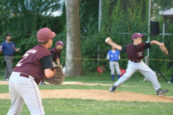 Luke Zeccola pitching enroute to a no hitter vs New Hyde Park