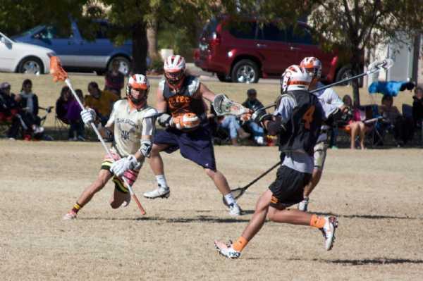 Hayden Drescher '10 moving with the ball