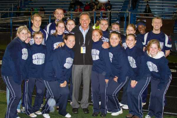 Governor Shumlin surrounded by the Storm Cheer Team.