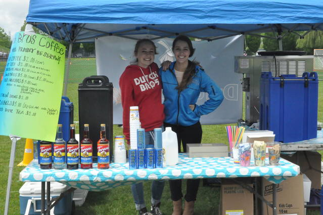 Southridge Highschool Students help raise money for TVLAX by selling chips and drinks at the Big Town Hero booth.